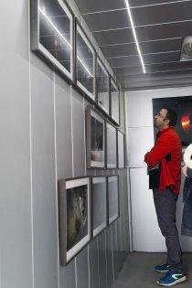 Visite d'une exposition dans le satellite du FRAC